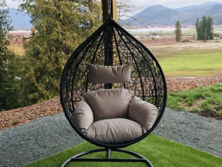 Teardrop swing with light grey cushion