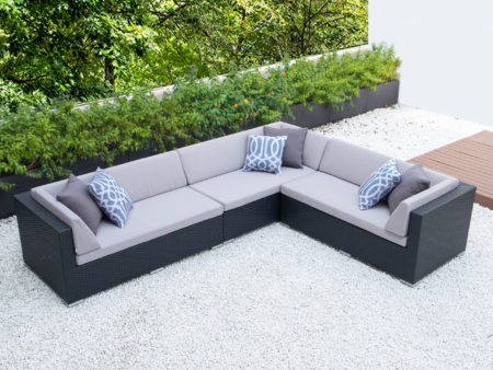 Giant L with light grey cushions