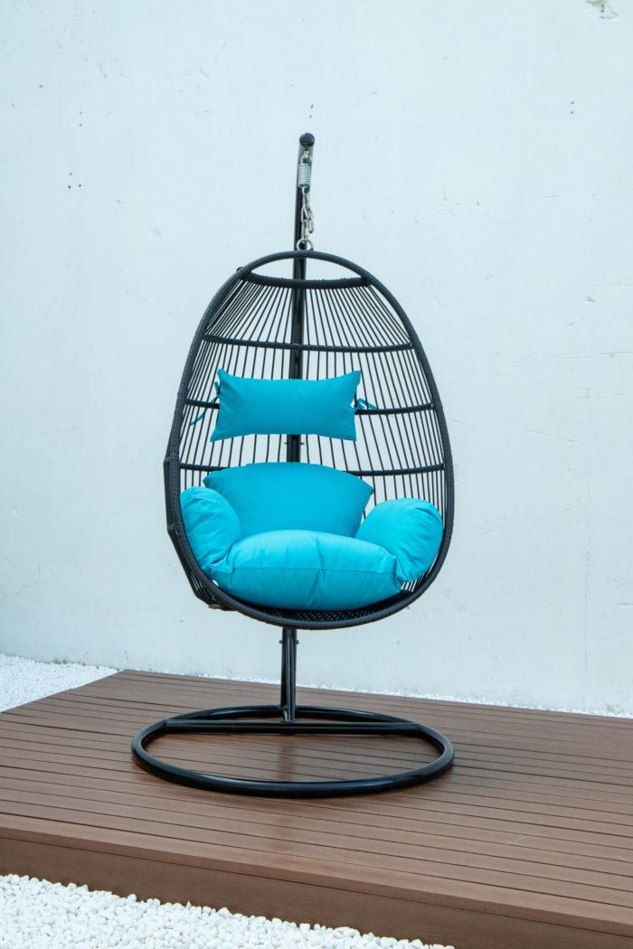 Single folding swing with blue cushion