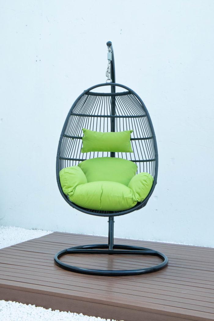 Single folding swing with green cushion