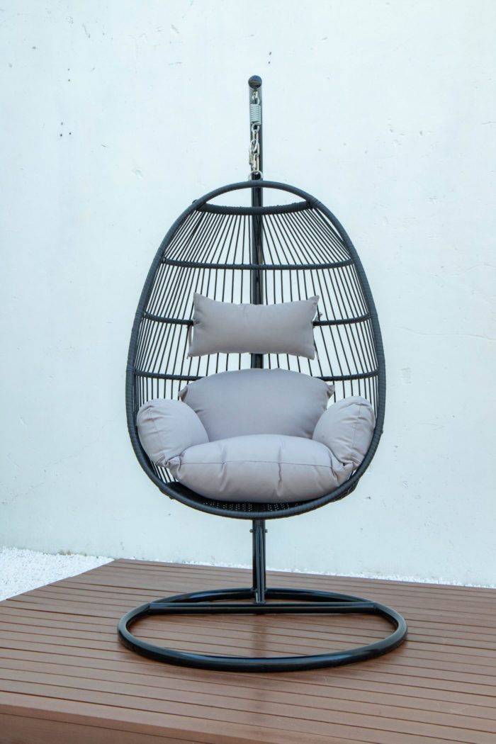 Single folding swing with light grey cushion