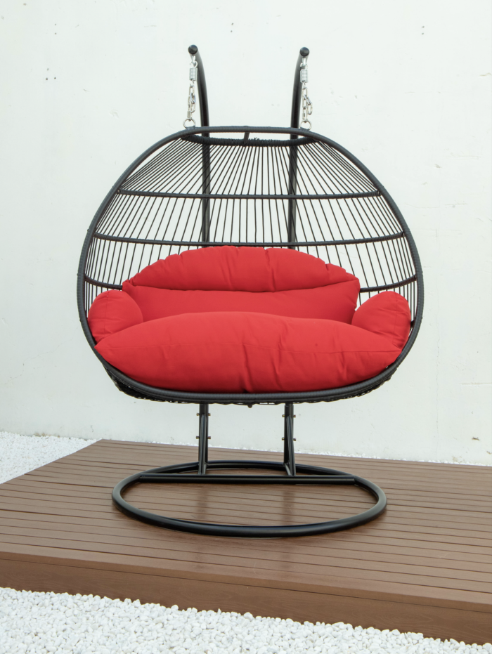 Double folding swing with red cushion