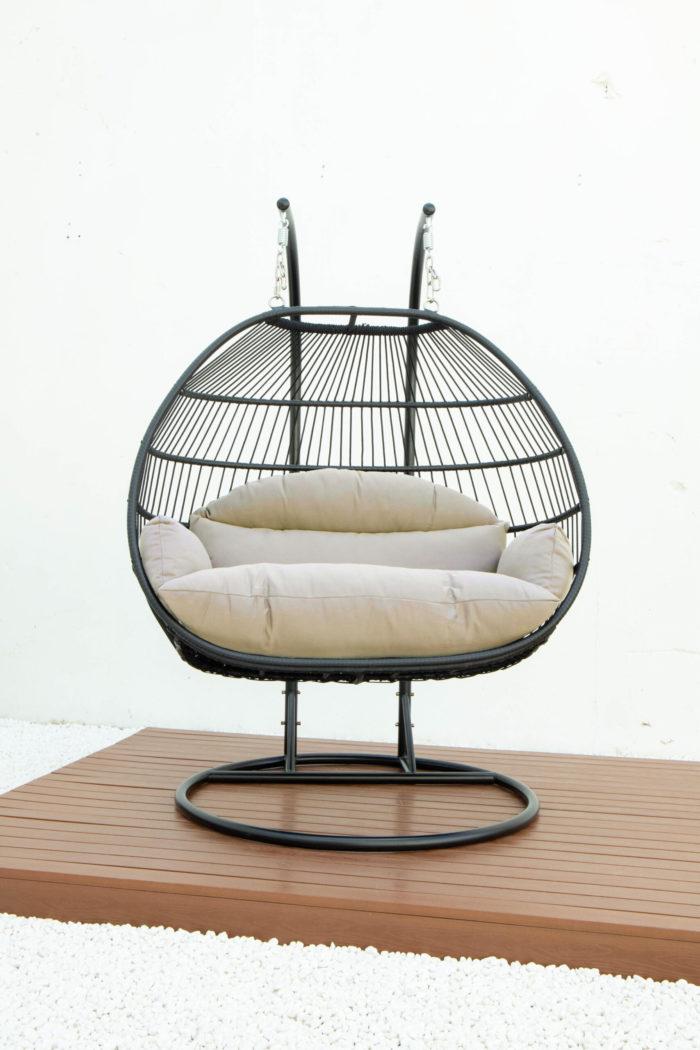 Double folding swing with light grey cushion